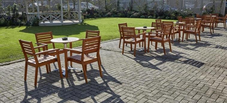 Cromwell Hotel Stevenage: Garden STEVENAGE