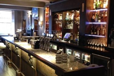Hotel Golden Lion: Bar STIRLING