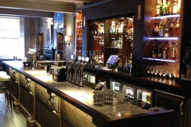 Hotel Golden Lion: Bar STIRLING