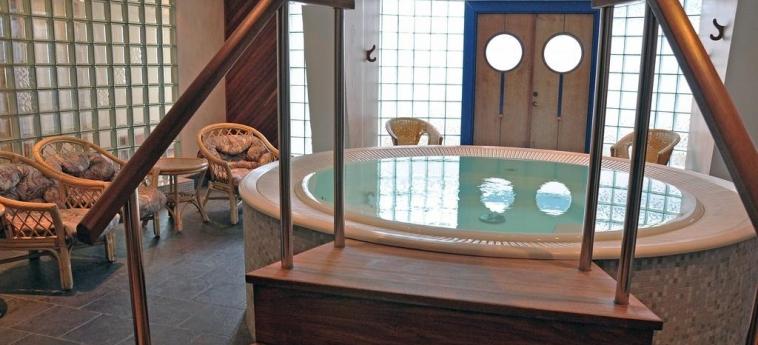Hotel Scandic Jarva Krog: Jacuzzi STOCKHOLM