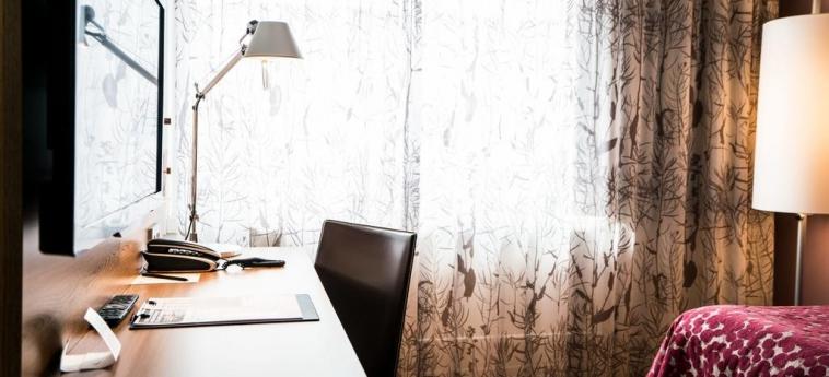 Hotel Scandic Jarva Krog: Writing desk STOCKHOLM