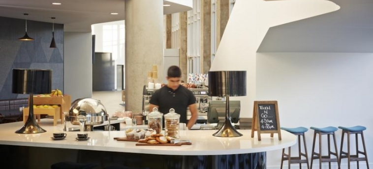 Hotel Rydges Sydney Airport: Caffetteria SYDNEY - NUOVO GALLES DEL SUD
