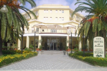 Hotel Del Santuario: Exterior SYRACUSE