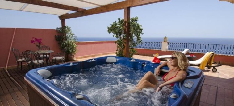 Baia Taormina - Hotel & Emotions: Jacuzzi TAORMINA - MESSINA