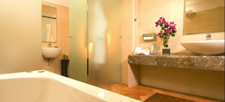 Baia Taormina - Hotel & Emotions: Salle de Bains TAORMINA - MESSINA