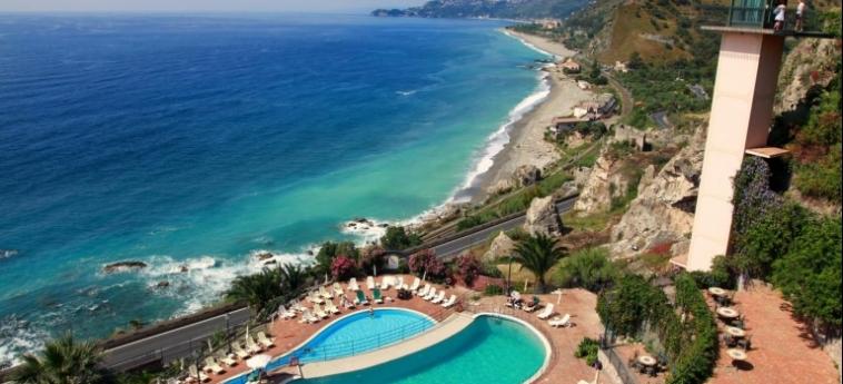 Baia Taormina - Hotel & Emotions: Vue TAORMINA - MESSINA