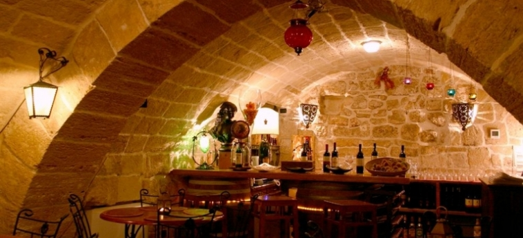Akropolis – Museum Hotel: Bar TARANTO