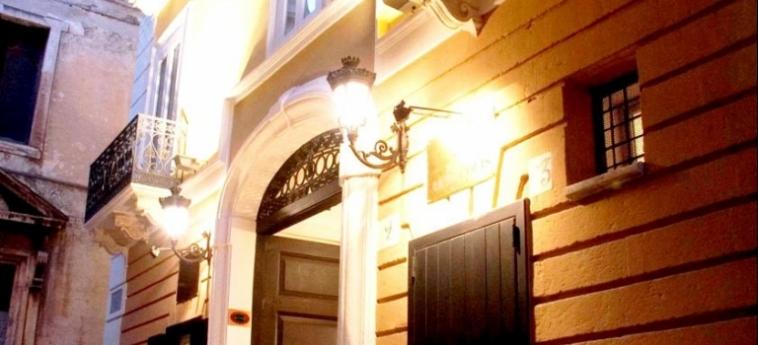 Akropolis – Museum Hotel: Exterior TARANTO