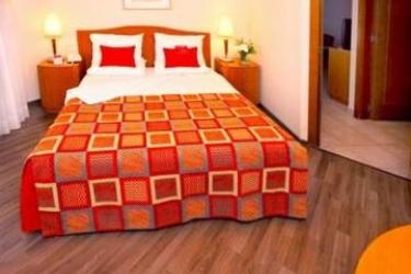 Hotel Leonardo Suite By The Beach: Bedroom TEL AVIV