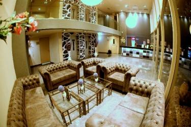 Hotel Avia: Exterior TEL AVIV
