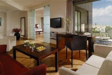 Hotel Leonardo City Tower: Chambre Suite TEL AVIV