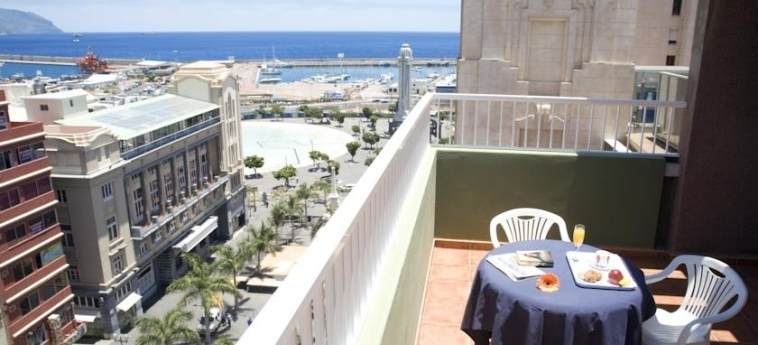 Hotel Adonis Capital: Terraza TENERIFE - CANARIAS