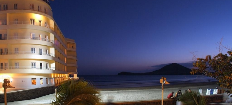 Hotel Medano: Exterior TENERIFE - CANARY ISLANDS