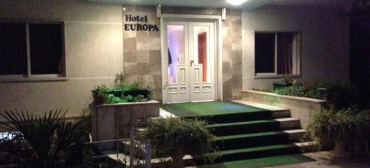 Hotel Europa: Esterno TIRANA