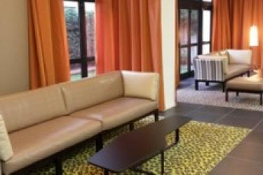 Privilege Appart-Hotel Saint Exupery: Hall TOLOSA