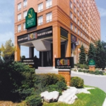 Hotel Quality Suites Toronto Airport