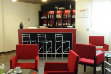 Zenitude Hotel & Residences Le Parc De L'escale: Innen Bar TOULOUSE