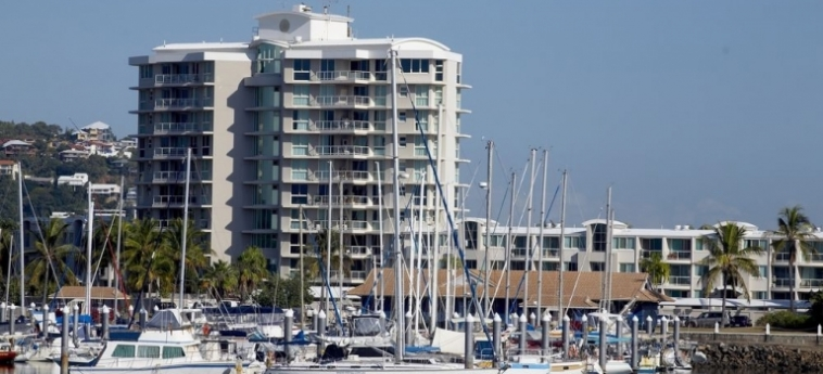 Australis Mariners North Holiday Apartments: Premium Lake View Room TOWNSVILLE - QUEENSLAND