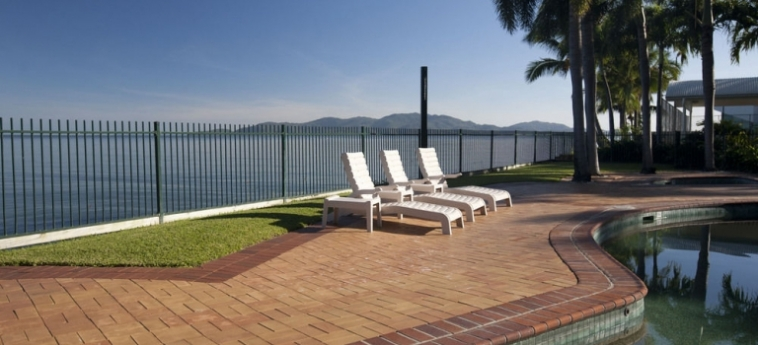 Australis Mariners North Holiday Apartments: Signature Lake Side Room TOWNSVILLE - QUEENSLAND