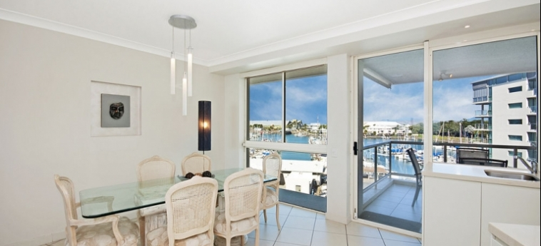 Australis Mariners North Holiday Apartments: Guest Room TOWNSVILLE - QUEENSLAND