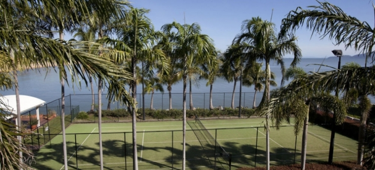 Australis Mariners North Holiday Apartments: Signature Room TOWNSVILLE - QUEENSLAND