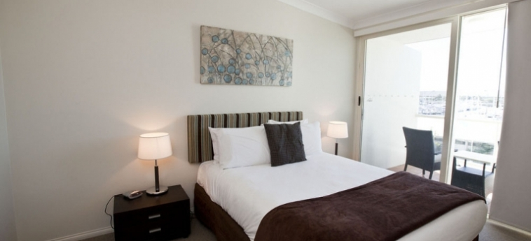 Australis Mariners North Holiday Apartments: Soggiorno E Angolo Cottura TOWNSVILLE - QUEENSLAND