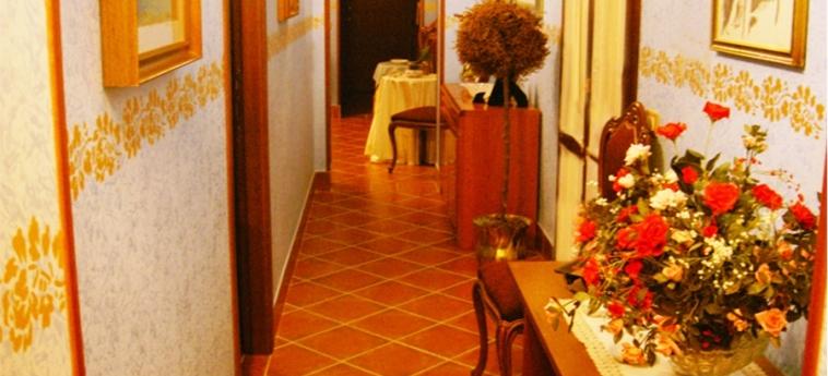 Hotel Baglio Tita: Couloir TRAPANI