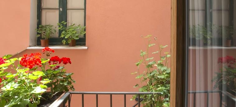 Hotel Il Cortile Fiorito: Balcony TRAPANI