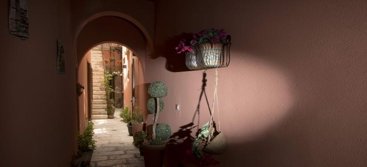 Hotel Il Cortile Fiorito: Dettagli Strutturali TRAPANI