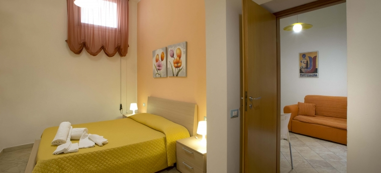Hotel Il Cortile Fiorito: Schlafzimmer TRAPANI