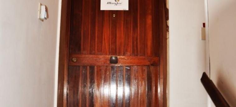 Hotel B&b Maryjose: Entrée intérieure TRAPANI