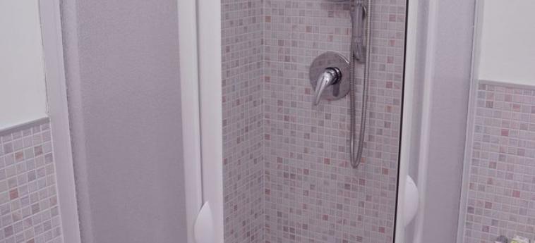 Hotel B&b Maryjose: Salle de bain / Douche TRAPANI
