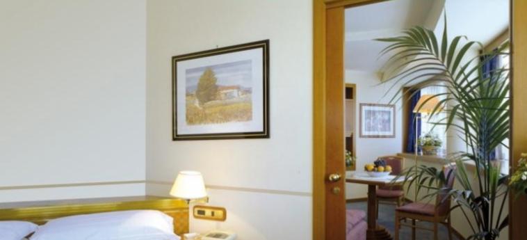Crystal Hotel: Habitacion - Detalle TRAPANI