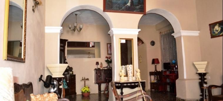 Hotel Hostal Trinidad Maria Guadalupe: Interior TRINIDAD