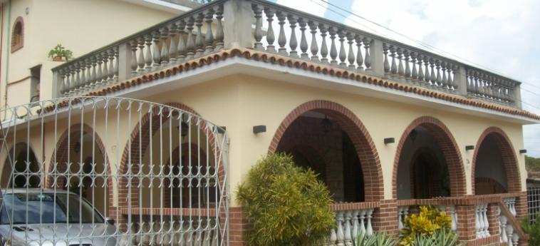 Hotel Hostal Cuba: Extérieur TRINIDAD