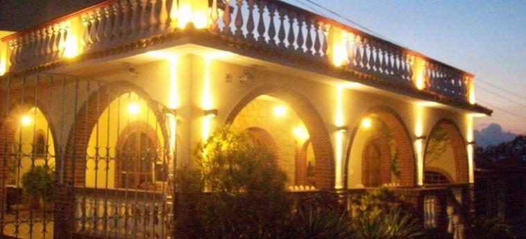 Hotel Hostal Cuba: Facade TRINIDAD
