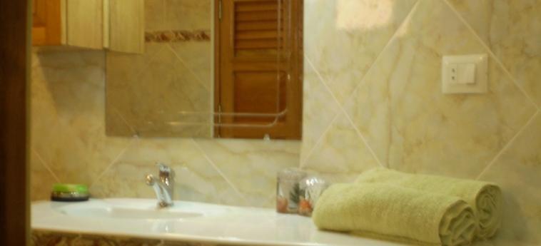 Hotel Hostal Cuba: Villa detail TRINIDAD