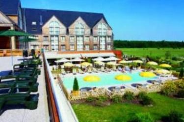 Domaine De La Foret D'Orient – Natur'Hotel Golf & Spa: Swimming Pool TROYES