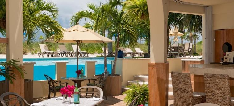 Hotel Windsong Resort: Poolside Bar TURKS AND CAICOS ISLANDS