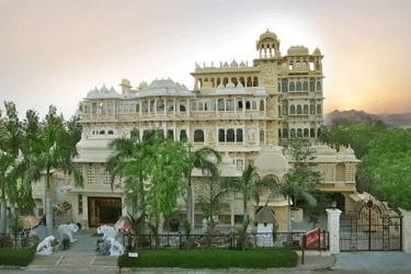 Hotel Chunda Palace: Frente Hotel UDAIPUR