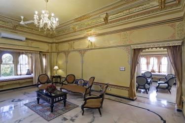 Hotel Chunda Palace: Sala de estar UDAIPUR