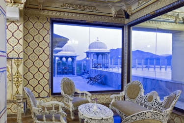 Hotel Chunda Palace: Salón del vestíbulo UDAIPUR