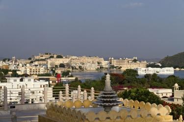 Hotel Chunda Palace: Vista a la ciudad UDAIPUR