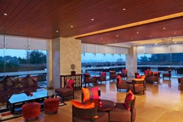 Hotel Radisson Blu Udaipur Resort & Spa: Facciata dell'hotel UDAIPUR