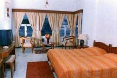 Hotel Sarovar On Pichola: Bedroom UDAIPUR