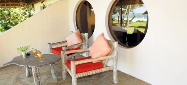 Hotel Afrika Pearl & Spa: Parking UKUNDA