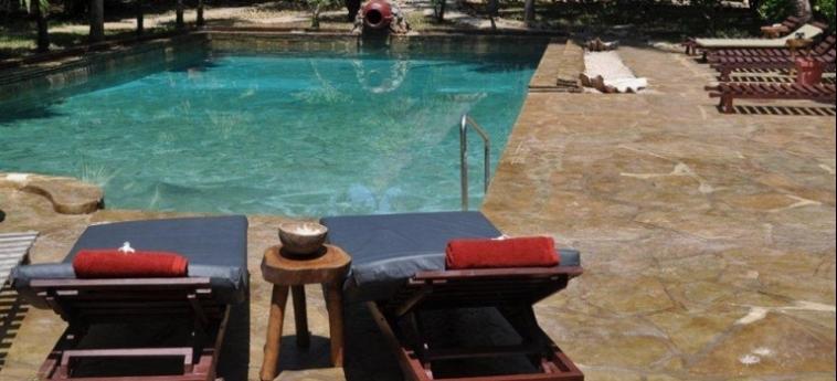 Hotel Afrika Pearl & Spa: Piscine Découverte UKUNDA