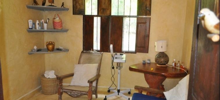 Hotel Afrika Pearl & Spa: Putting Green UKUNDA