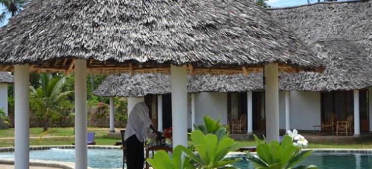 Hotel Diani Bay Resort: Exterieur UKUNDA