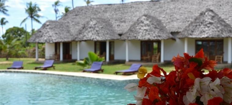 Hotel Diani Bay Resort: Terrain de Tennis UKUNDA